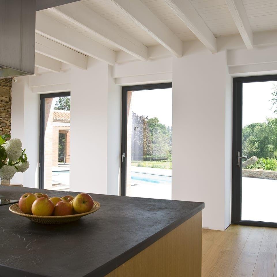 Porte-fenêtre aluminium : laissez entrer la lumière | KPARK